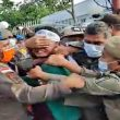 Demo Tolak Kenaikan BBM Ricuh, Mahasiswa Diseret dan Ditendang Petugas Keamanan