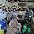 Kakorlantas Polri Tinjau Vaksinasi Massal di Poltekpar Medan
