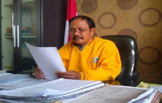 Sekretaris DPD Partai Golkar Kota Binjai, Taufik Hidayat saat dikonfirmasi wartawan di ruang kerjanya, Rabu (27/10/2021).