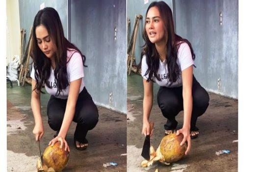 Intan Juwita, istri Maell Lee beralih profesi jadi penjual kelapa muda. Foto : Instagram